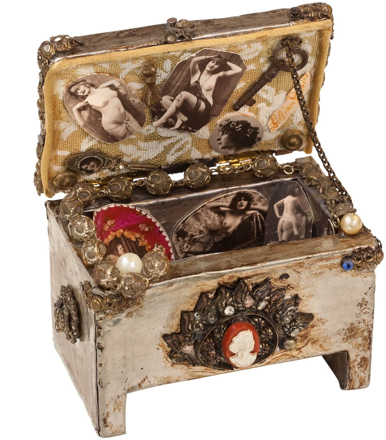 Liliana Ribeiro Andrade - Nostalgia Box, 1995 - Mexico